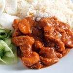 Recept: Hete kip met rijst en komkommersalade