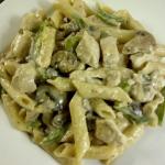 Recept: Pasta met kip en groenten in roomsaus