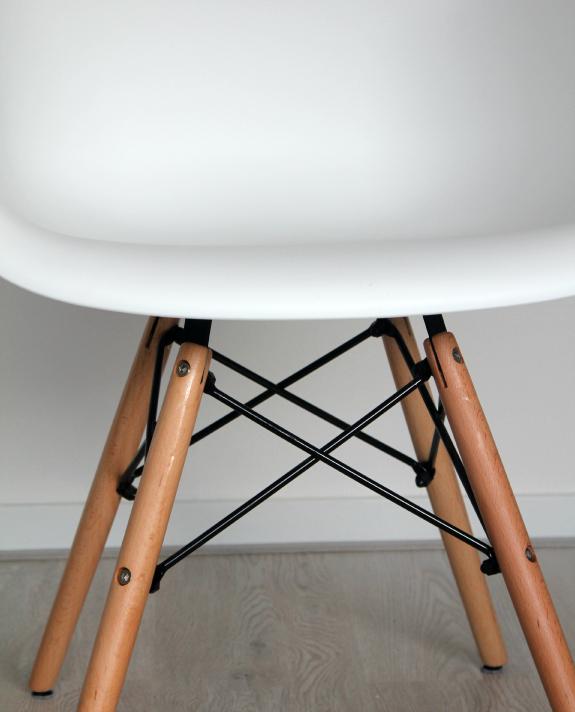 daw-replica-stoel-2