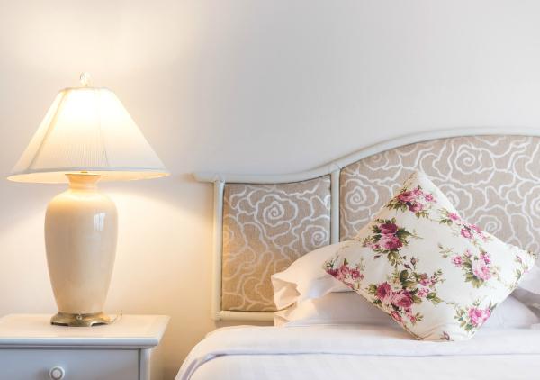 Ontspannen sfeer in de slaapkamer: creëer het met verlichting ...
