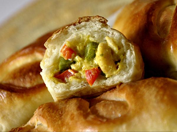 Broodjes met kip-roomkaas-vulling