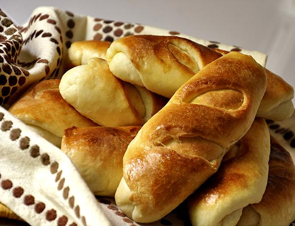 Broodjes met kip-roomkaasvulling