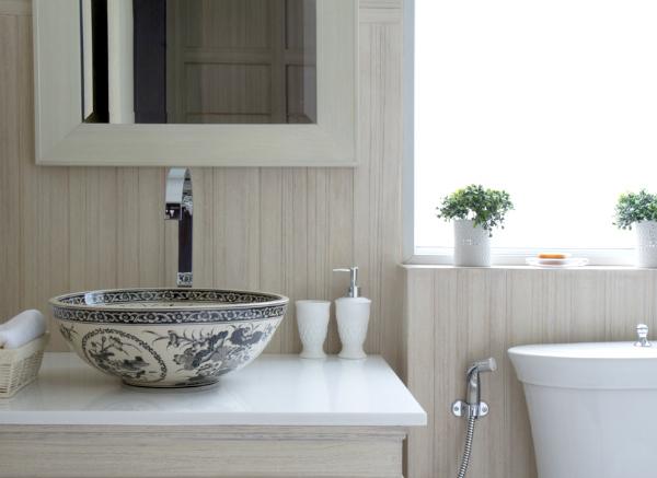 Tips Badkamer Verbouwen : Tips kleine badkamer gebruik een licht in plaats van glas with