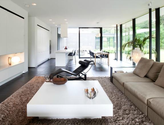 Design woonkamer strak inrichten: 9 ideeën – Womanistical
