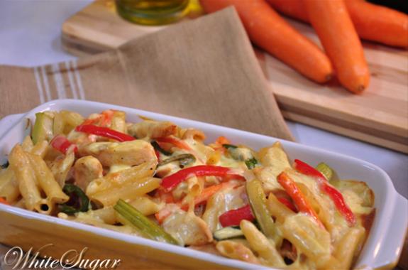 Penne-kip-ovenschotel-met-room-groenten