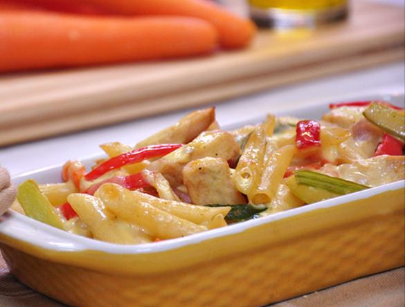 Penne-kipschotel-met-room-knapperige-groenten
