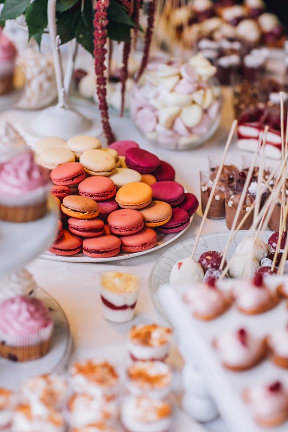 bruidstaart-macarons-cupcakes