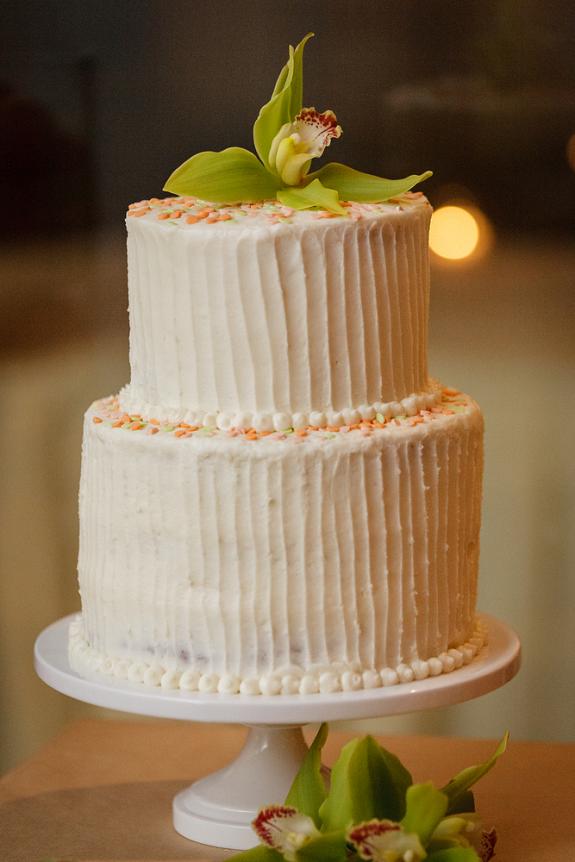 witte-simpel-bruidstaart