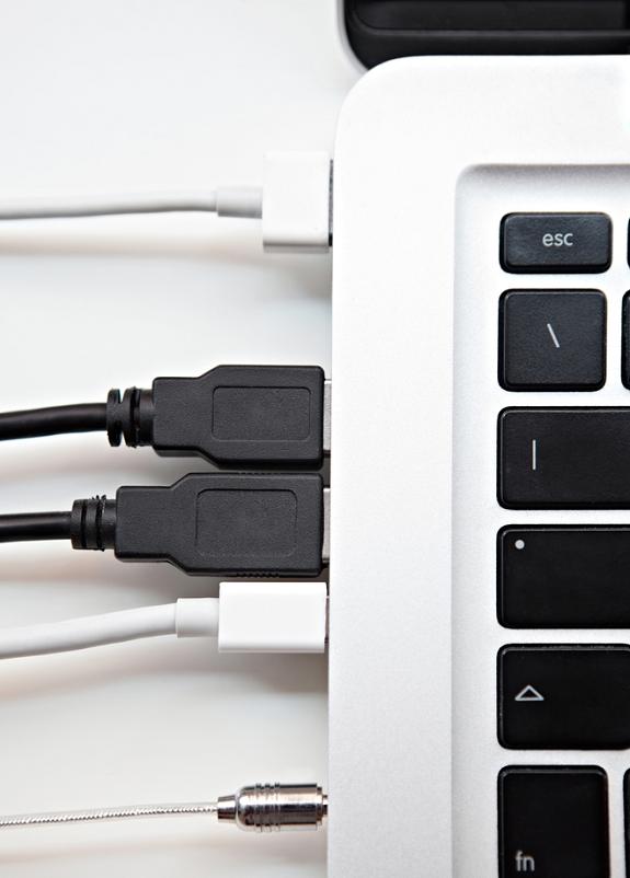 verschillende-internet-kabels-aansluitingen