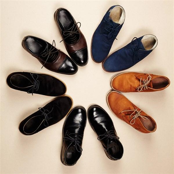 cd86c806c9c Nu kan een hele casual outfit ook gewoon geboost worden met stijlvolle maar  stoere herenschoenen. Een paar stoere boots voor mannen bijvoorbeeld.