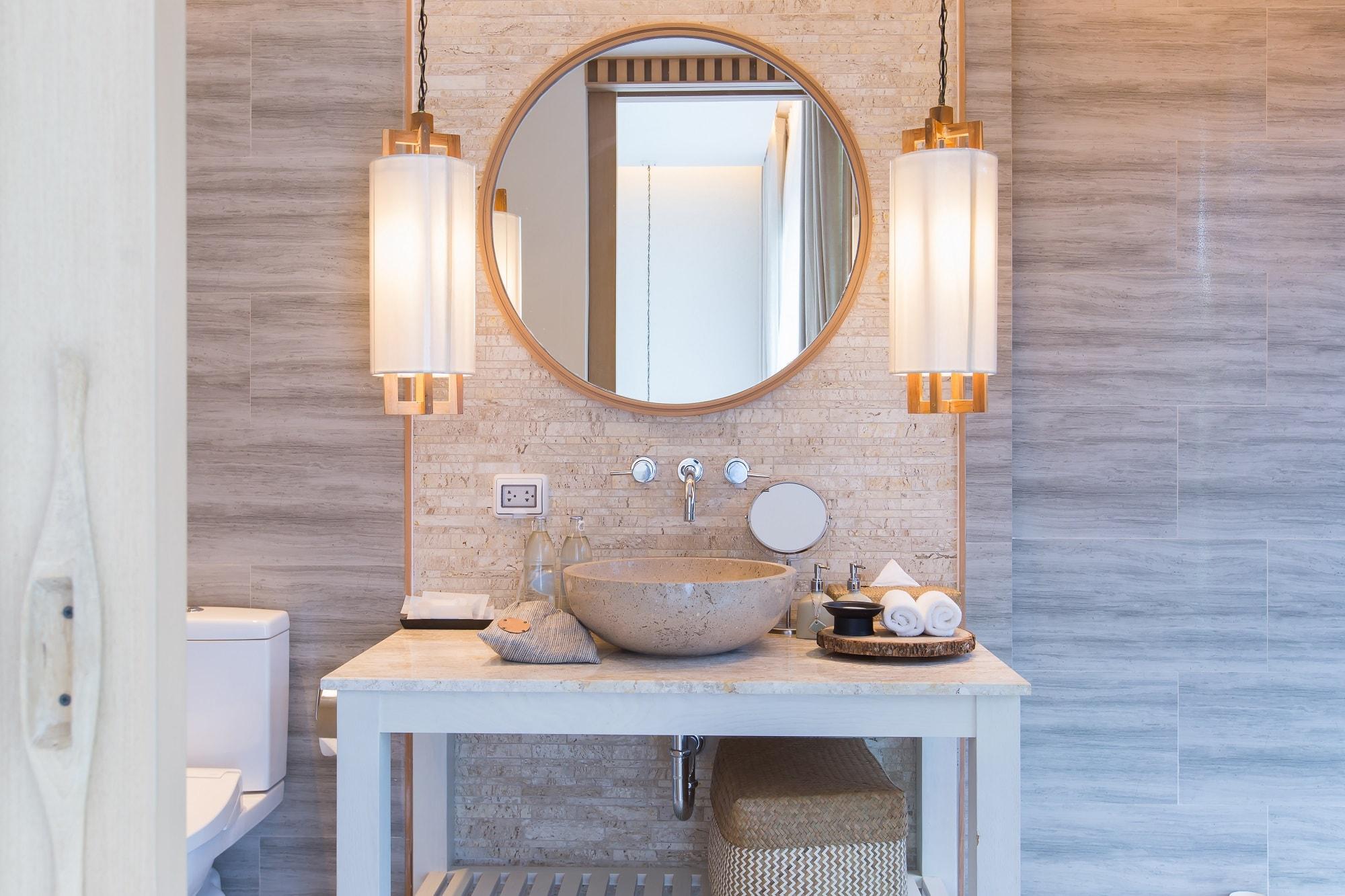 Badkamer Verlichting Ideeen : Verlichting in de badkamer: 6 handige tips u2013 womanistical